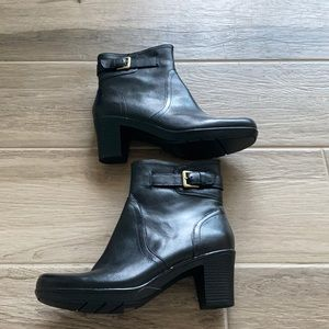 NWOB Clark's 10 Dream Harmony heeled booties